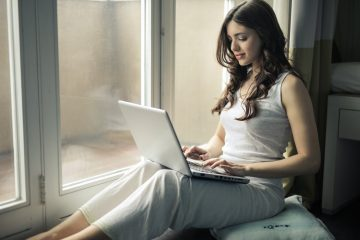 girl on business laptop