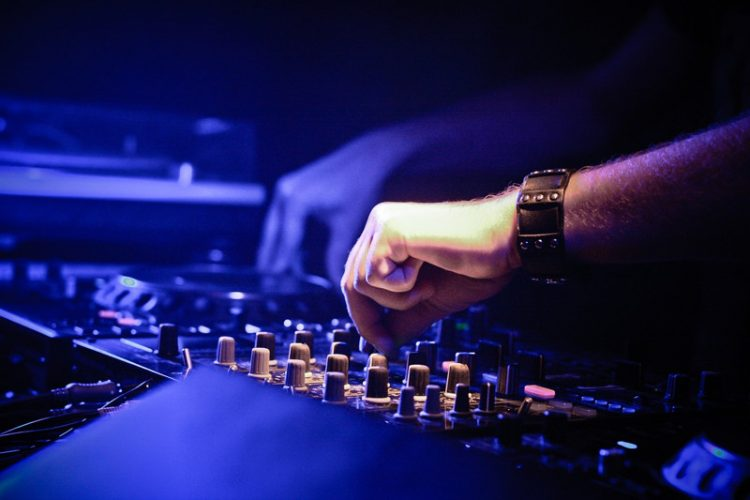 What is the Best DJ Software for your Laptop